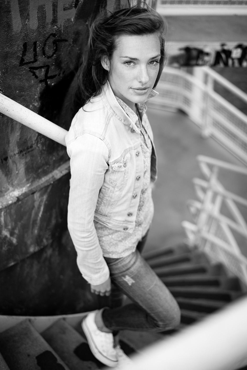 Portrait Fotoshooting in Hamburg am Elbufer