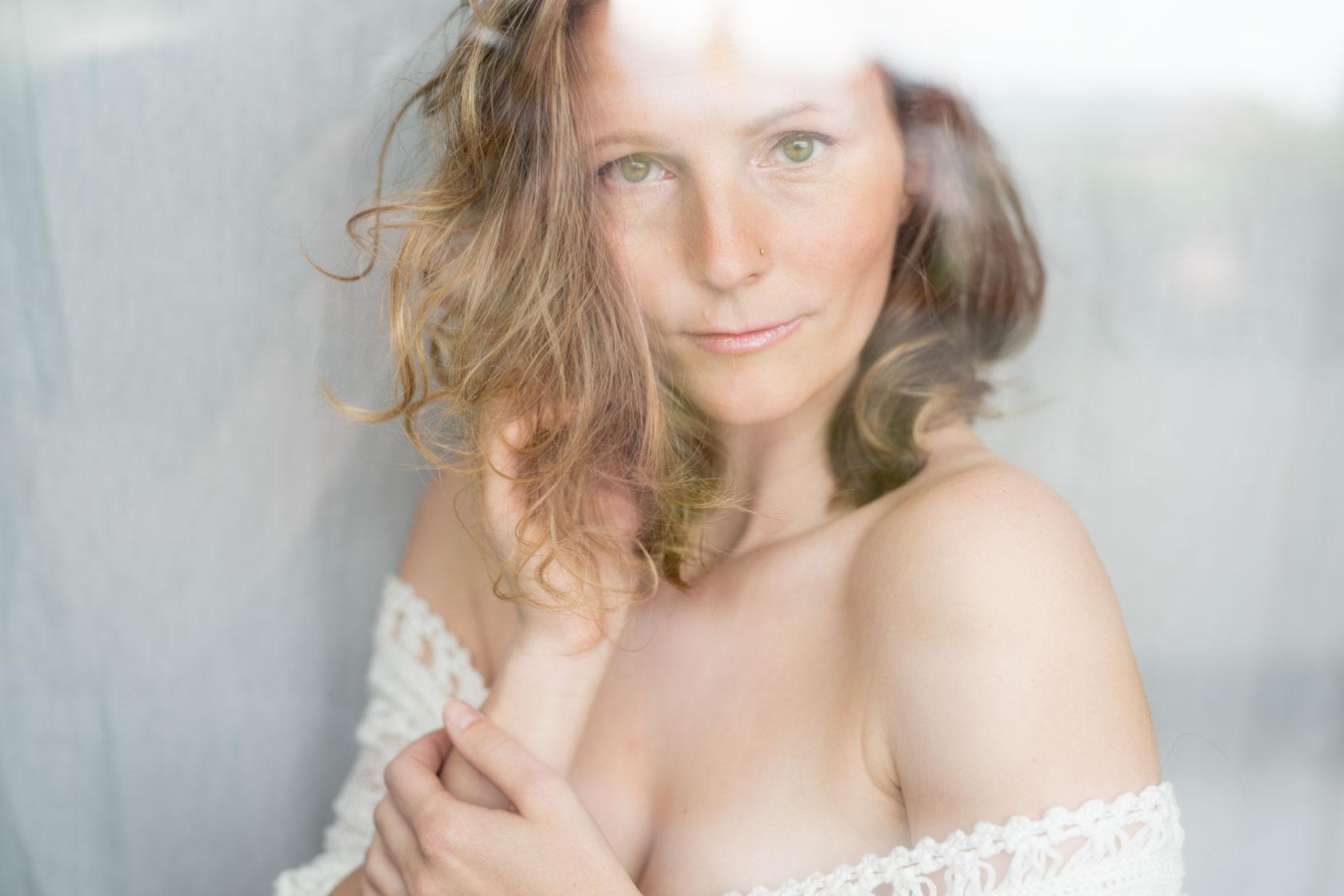 https://www.stefanhill.net/wp-content/uploads/2017/06/Sinnliches-Boudoir-Fotoshooting-mit-Barbara-in-Stuttgart_0012.jpg