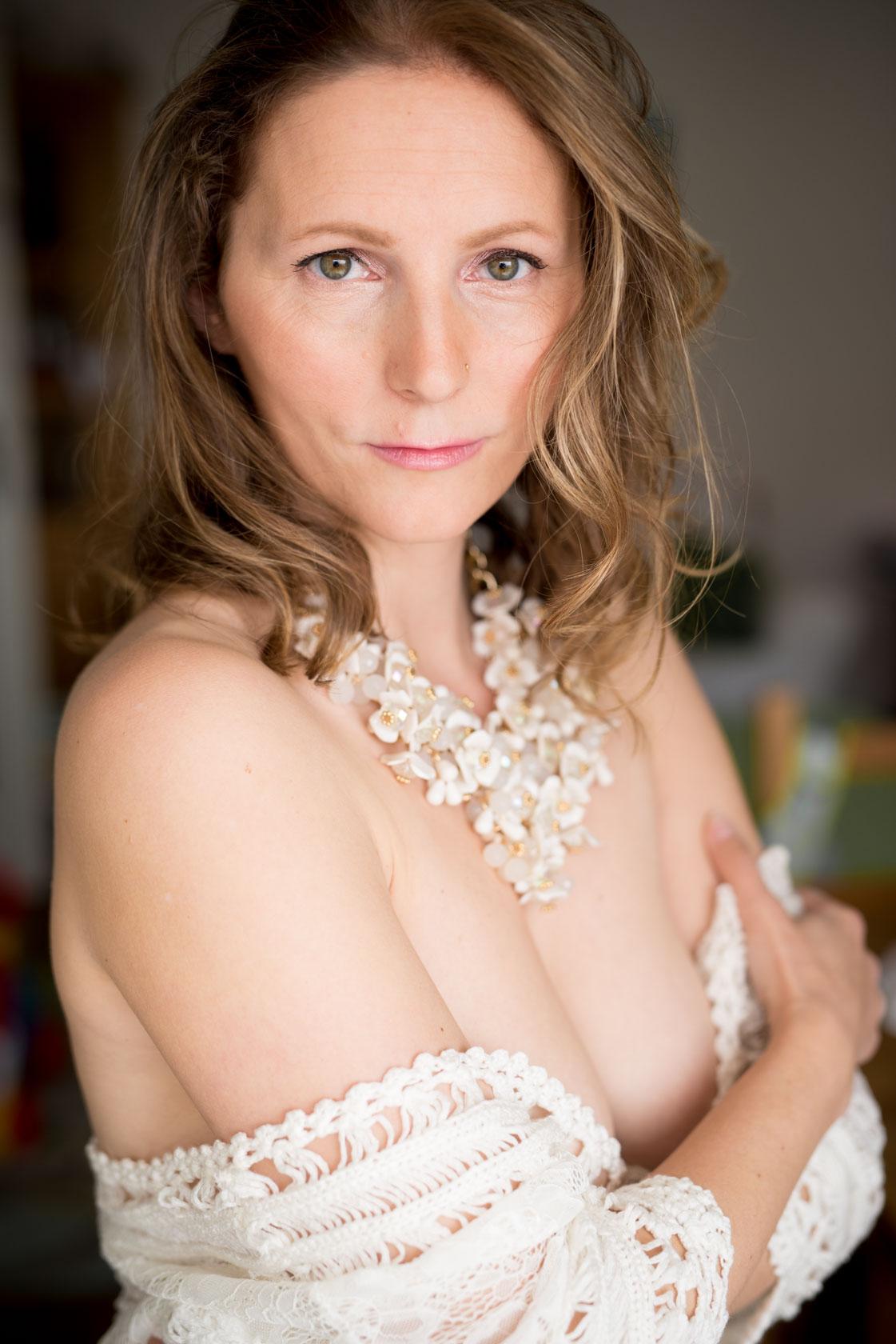 https://www.stefanhill.net/wp-content/uploads/2017/06/Sinnliches-Boudoir-Fotoshooting-mit-Barbara-in-Stuttgart_0017.jpg
